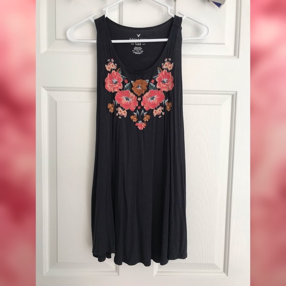 American Eagle Outfitters Tops - Floral Embroidered Tank